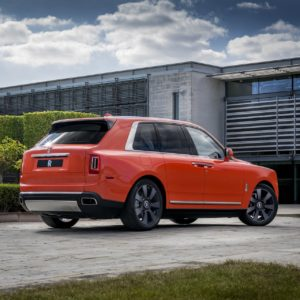 - GQW_Rolls-Royce_Cullinan_in_Fux_Orange_Quail_082012-min