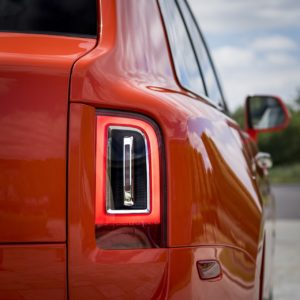 - GQW_Rolls-Royce_Cullinan_in_Fux_Orange_Quail_082013-min