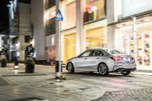 - Mercedes-Benz_A250_4MATIC_Sedan_101770-min
