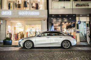 - Mercedes-Benz_A250_4MATIC_Sedan_101771
